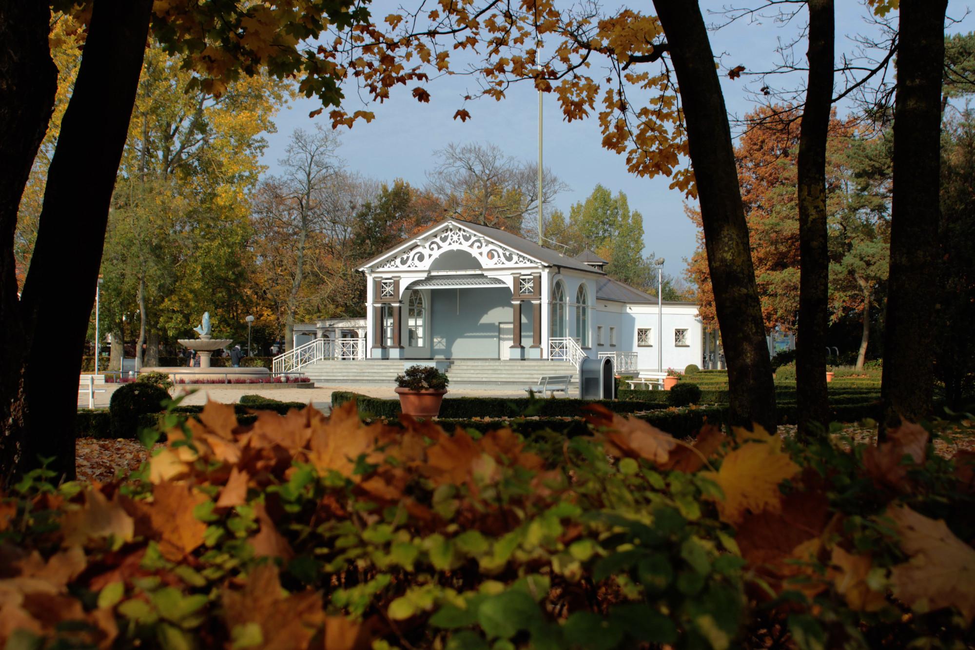 Bühne im Kurpark in Boltenhagen